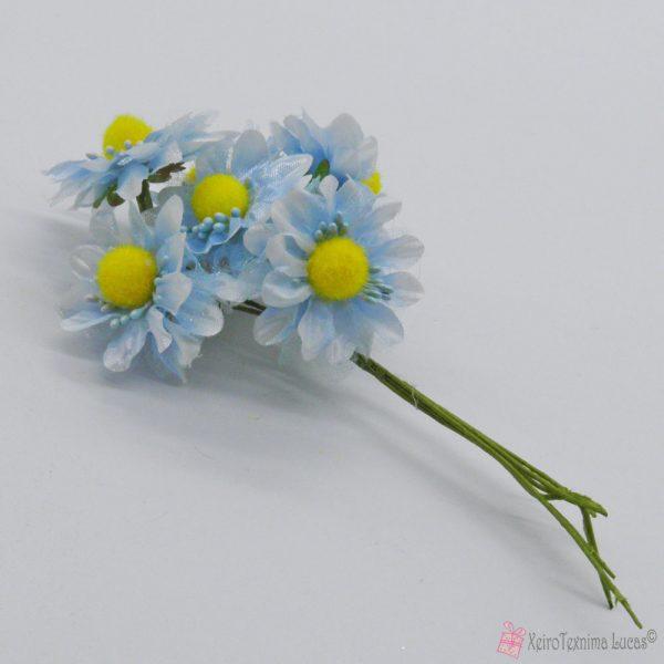 Γαλάζια διακοσμητικά λουλούδια