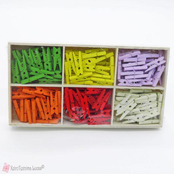 Ξύλινα χρωματιστά μανταλάκια