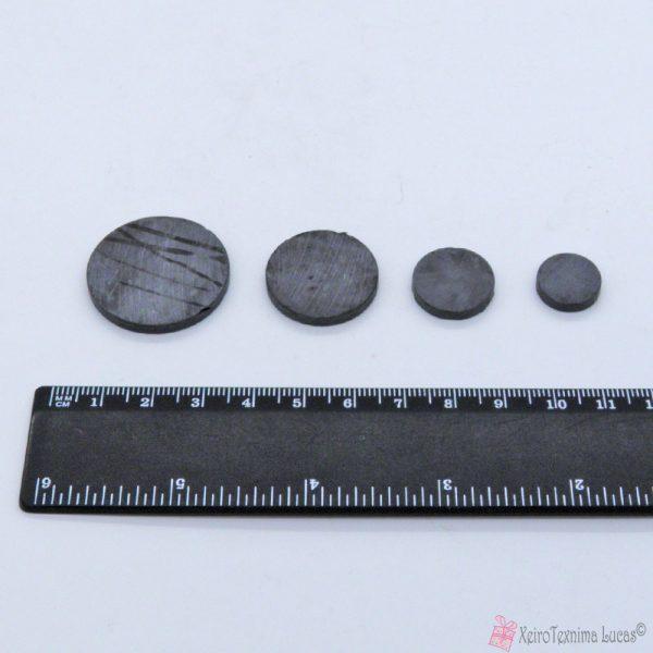 Μαγνήτες σε διάφορα μεγέθη