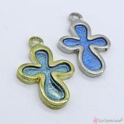 Χρυσός ή ασημί μεταλλικός σταυρός με γαλάζιο διάφανο σμάλτο