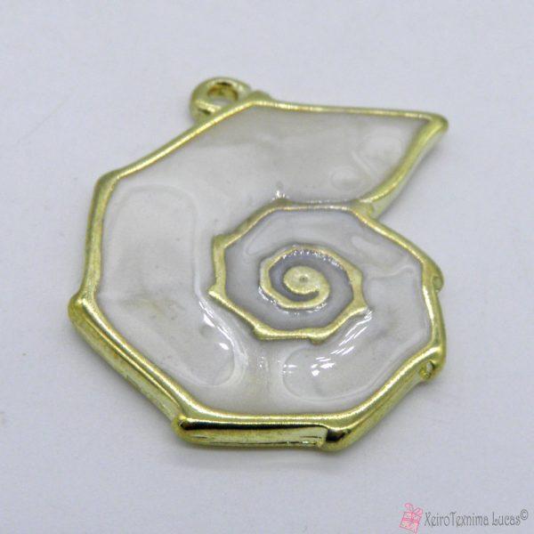 Χρυσό μεταλλικό κοχύλι με εκρού περλέ σμάλτο