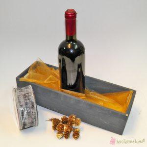 Συσκευασία κρασιού σε καφασάκι