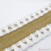 λινάτσα με λευκά φουντάκια