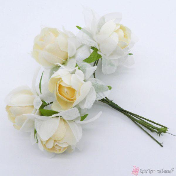 Εκρού υφασμάτινα λουλούδια