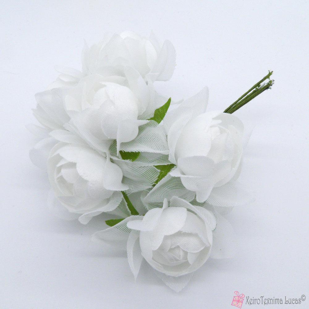 Λευκά υφασμάτινα λουλούδια