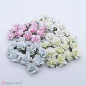 Χάρτινα λουλούδια σε διάφορα χρώματα