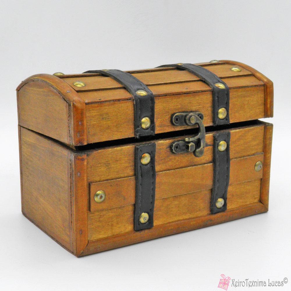 Ξύλινο κουτί μπαουλάκι