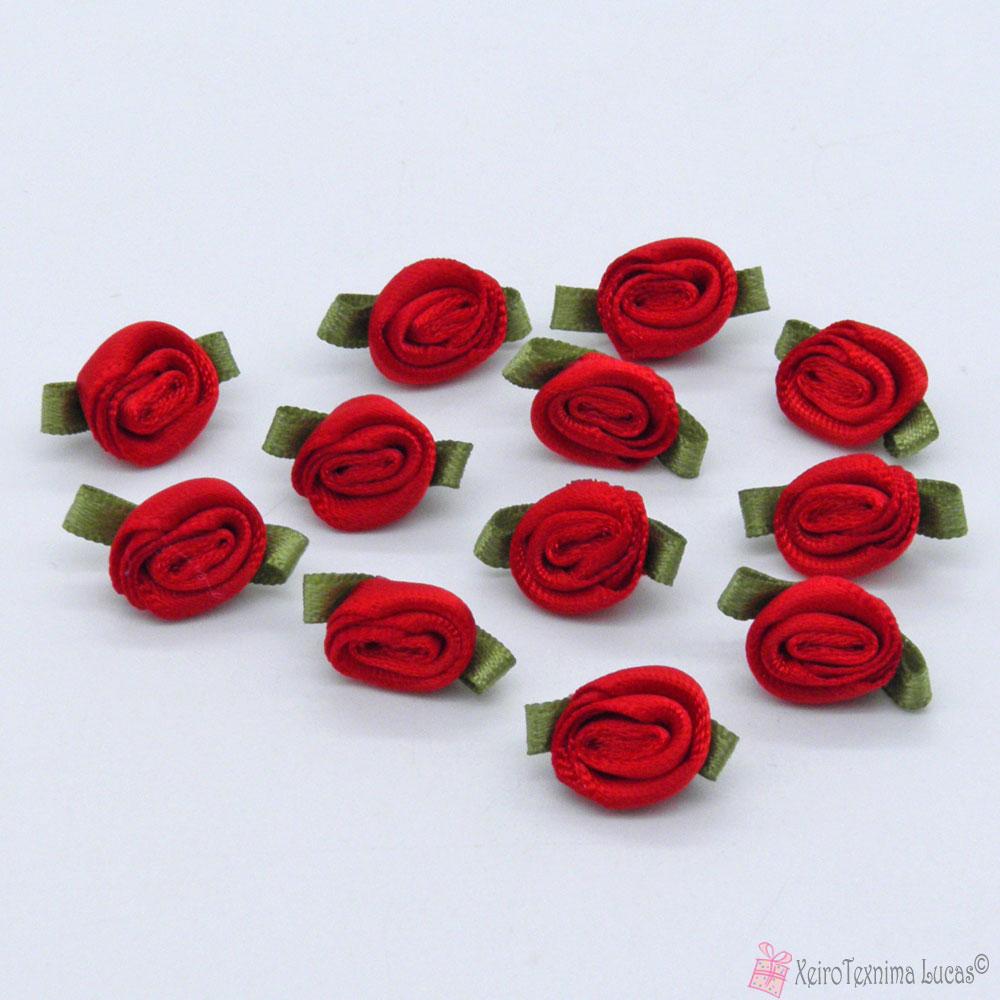 Κόκκινα σατέν τριανταφυλλάκια