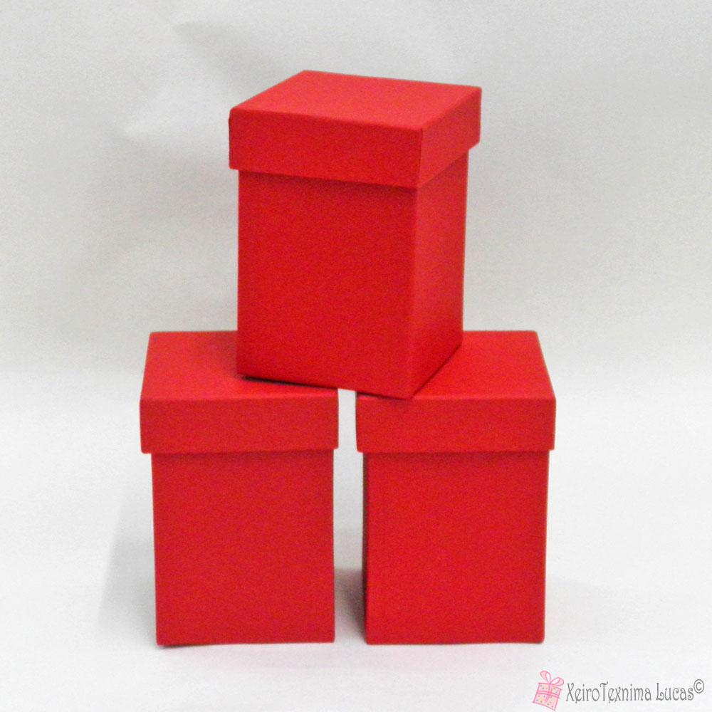 Κόκκινο χάρτινο κουτί