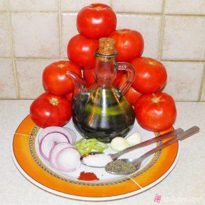 Υλικά για σπιτική σάλτσα ντομάτας